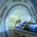 Как бесплатно сделать МРТ позвоночника, головного мозга или других органов в государственной поликлинике?